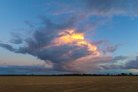 merredin;agriculture;case study;clouds;construction;construction site;research;storm;clouds;clouds;sky;skies;cumulus clouds;sunset;sunsets;sun set;sun sets;cumulus;cumulonimbus;stratocumulus;storm cloud;storm clouds;dramatic sky;dramatic skies;sun;blue sky;blue skies;stormy sky;stormy skies;stormy;grey clouds;gray clouds;tree line;tree lines;treeline;treelines;rural;rural setting;country;country setting;sun setting;dry land;dry grass;background;backgrounds;back ground;back grounds;farm;farmland;farm land;farming;farms;cgi;background;backgrounds;backdrop;2d cgi plate;2d cgi plates
