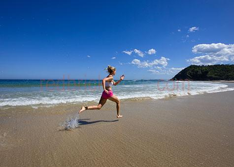 exercise;exercises;exercising;exercising on the beach;exercising at the beach;train;trains;training;training session;training sessions;run;runs;running;sprint;sprints;sprinting;sprint training;running on the beach;running at the beach;sprinting on the beach;sprinting at the beach;sprints on the beach;sprints at the beach;female;females;woman;women;girl;girls;lady;ladies;sporty;20-25 years;20 to 25 years;20-25 yrs;20 to 25 yrs;young adult;mid 20s;mid 20Õs mid twenties;25-30 years;25 to 30 years;25-30 yrs;25 to 30 yrs;health;health and fitness;health & fitness;fitness;fit;getting fit;keeping fit;blonde;blond;blonde hair;blond hair;beach;beaches;ocean;sea;seas;sea water;water;sand;sandy;blue sky;blue skies;copyspace;copy space;textspace;text space;athletic