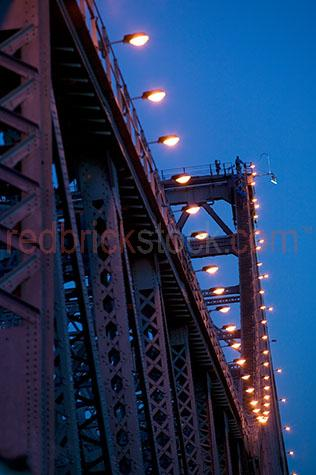 brisbane;story;bridge;bridges;climb;climber;climbers;city;cities;structure;lights;light
