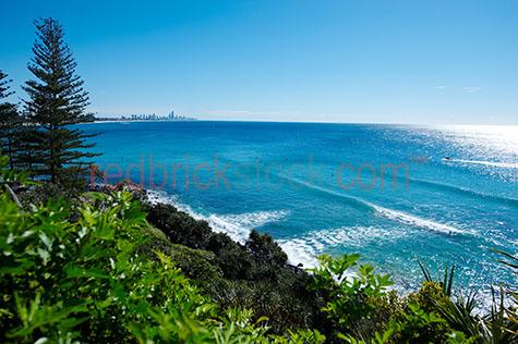 gold coast;queensland;qld;coastline;foliage;tree;trees;beach;beaches;water;ocean;waves;wave;sunshine state;sun shine;lifestyle;summer;burleigh heads