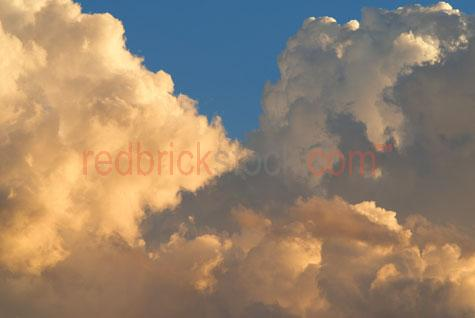 clouds cloudscape sky skies sunset sun