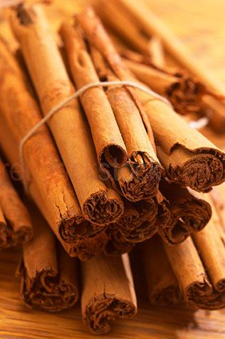 cinnamon;spice;spices;sticks;stick;brown;browns;colour brown;color brown;textured;dried;close up;close-up;fragrant;dried;uncooked;bark;natural;unpropped;curled;flavour;flavours;flavor;flavors;flavouring;flavoring;flavourings;flavorings;ingredient;ingredients