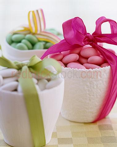 close up;close ups;close-up;close-ups;sugared almond;sugared almonds;easter;celebrate;celebrates;celebration;celebrations;festive season;festive seasons;confectionary;ribbon;ribbons;gift;gifts;present;presents;sweet;sweets;treat;treats;almonds;almond;nut;nuts;snack;snacks