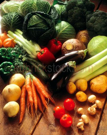 assorted;assortments;assortment;variety;varieties;carrot;carrots;potato;potatoes;tomatoe;tomatoes;mushroom;mushrooms;fungi;fungus;leek;leeks;eggplant;eggplants;aubergine;aubergines;zucchini;zucchinis;courgette;courgettes;pepper;peppers;red pepper;red peppers;red capsicum;red capsicums;green pepper;green peppers;green capsicum;green capsicum;onion;onions;brown onion;brown onions;yellow onion;yellow onions;cabbage;cabbages;savoy cabbage;savoy cabbages;broccoli;vegetable;vegetables;veg;vegie;vegies;veggie;veggies;health;healthy;diet;celery;raw;uncooked;whole