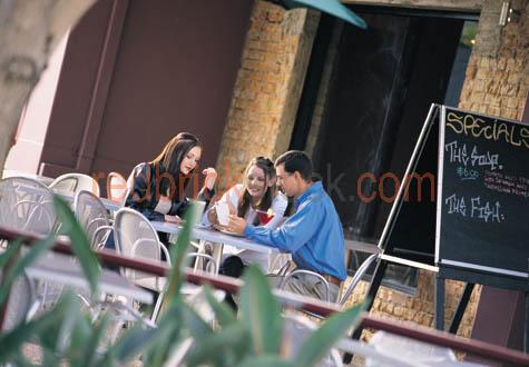 cafe;dining;outdoor;out;door;guy;girl;couple;people;man;lady;wom;