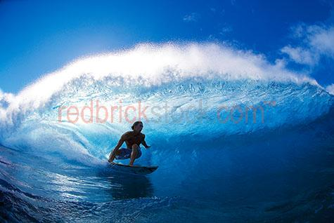 surf;surfer;wave;waves;surfs;surfing;beach;ocean;wave;waves;blue;water;sean;lifestyle;beaches;coast;coastal