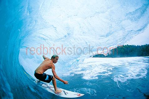 surf;surfer;professional;wave;waves;ocean;sea;owen wright;board;surfboard;curl;tube;coast;coastal;beach;green room