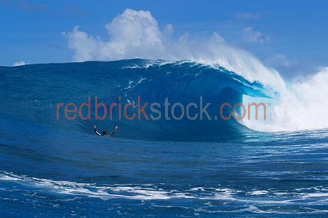 surf;surfs;surfing;surfer;surfers;surfing wave;surfing waves;wave;waves;beach;beaches;ocean;oceans;ocean water;ocean waters;sea;seas;sea water;sea waters;water;waters;blue water;waters surface;micronesia;micronesia island;micronesia islands;pacific ocean;seascape;seascapes;wave crashing;waves crashing;crashing wave;crashing waves;green room;green rooms;blue room;blue rooms;tube;tubes;barrel;barrels;sport;sports;watersport;watersports;water sport;water sports;action;extreme sport;extreme sports;reflection;reflections;water reflection;water reflections;surfs up;maritime;marine;curl;curls;curling;coast;coasts;coastal;coastal living;coastal lifestyle;man;men;guy;guys;male;males;male surfer;male surfers;man surfing;men surfing;guy surfing;guys surfing;male surfing;males surfing;person;people;person surfing;people surfing;cloud;clouds;recreation;recreational;recreational activity;recreational activities;blue;blues;colour blue;color blue;sky;skies;blue sky;blue skies;in water;close-up;close-ups;close up;close ups;closeup;closeups;close-up view;close-up views;closeup view;closeup views;close-up views;close-up views;close up views;closeup views;copyspace;copy space;textspace;text space
