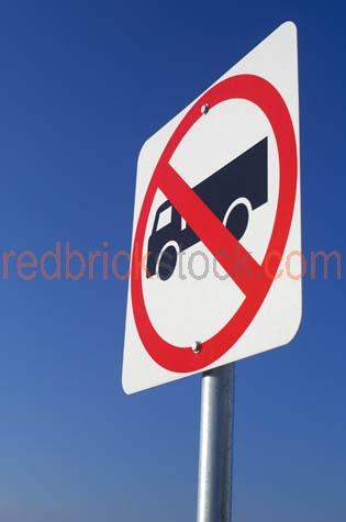transport;road;sign;signage;signs;restriction;restrictions;restr;