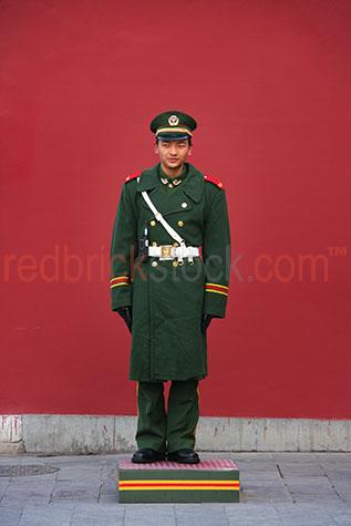 china chinese soldier soldiers military forbidden city protectio