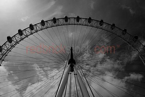 ferris wheel;london eye;tourism;ferris wheels;entertainment;icon;landmark;world tourist attractions;london eye against sky;ferris wheel against sky;uk icon;london icon;london icons;uk icons;british icon;british icons;london landmark;london landmarks;structure