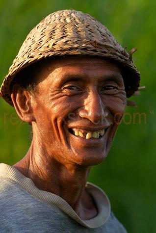 bali;balinese;man;men;balinese man;indonesia;indonesian;ubud;village;old;old;villager;rice farmer;farmer;farmers;farming;hat;straw hat;hats;straw hats;smiling;smile;south east asia;asia;asian;indonesian man;indonesian farmer;portrait;close-up;close up;indonesian portrait;balinese farmer;balinese rice farmer;indonesian rice farmer;smiles;smiling people;smiling person;smiled;selective focus;person;man;guy;men;guys;people;one person;one guy;one man;looking at camera;eye contact