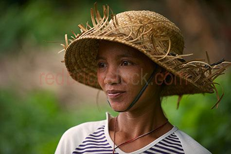 woman;women;lady;ladies;people;person;smile;smiles;smiling;straw hat;straw hats;farmer;farmers;bali;balinese;balinese woman;indonesia;indonesian;villager;villagers;local;locals;25-30 years;25 to 30 years;25-30 yrs;25 to 30 yrs;mid 20s;mid 20Õs;mid twenties;30-35 years;30 to 35 years;30-35 yrs;30 to 35 yrs;mid 30s;mid 30Õs;mid thirties