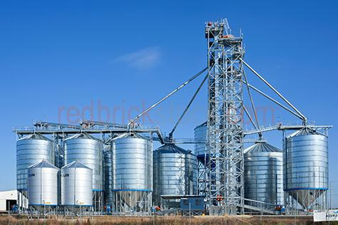silo;silos;farm;farms;farming;farmland;farm land;agriculture;agricultural;new south wales;nsw;australia;australian;aus;grain;grains;wheat;outback;out back;country;country setting;country settings;copyspace;copyspace;textspace;text space;blue sky;blue skies;clear blue sky;clear blue skies;blue;blues;colour blue;color blue;shed;sheds;grass;dry grass;dry;industrial;industrial site;industrial sites;industrial silo;industrial silos;agriculture industry;close-up;close-ups;close up;close ups;closeup;closeups;close-up view;close-up views;closeup view;closeup views;close-up views;close-up view's;close up views;closeup views