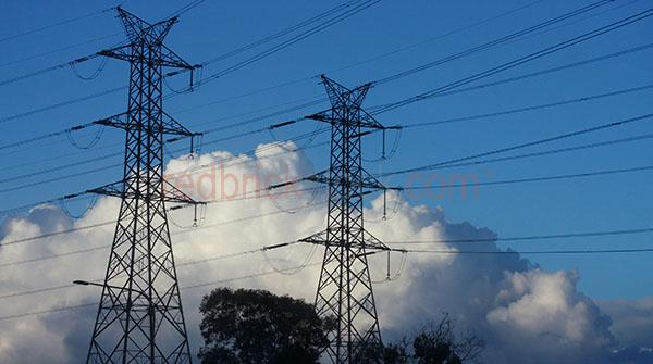 electricity pylons;electricty pylon;power;power grid;power grids;grid;power lines;supply;environment;greenhouse;carbon;emissions;energy;electrical grid;electrical;electricity;power;pylons;power poles;carbon trading;pollution;high tension power lines