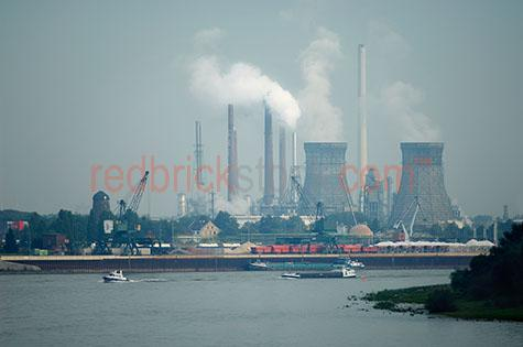 shell oil refinery germany petrol petroleum emissions processing