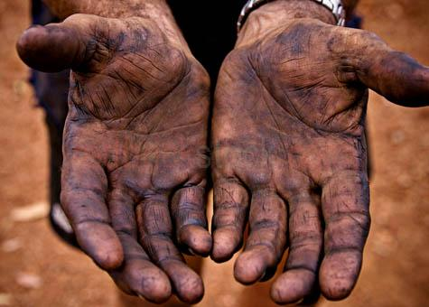 hands;hand;worker;workers;labourer;labourers;labourer's;hard labour;labor;laborer;laborers;laborer's;close-up;close up;hands only;two hands;grease;greasy;greasey;oil;oily;miner;miners;mining;engineer;engineers;engineering;australia;australian;industry;industrial;palm;palms;open hands;hands together;hardy;tough;20061101_AUST_0244