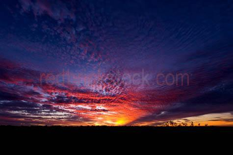 australia;australian;landscape;landscapes;outback;pilbara;cloud;clouds;sun set;sunsets;sun sets;sunset;sky;skies;cumulus;altocumulus;cirrocumulus;dramatic sky;dramatic skies;background;backgrounds;pattern;patterns;moody;moody sky;moody skies