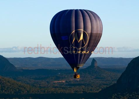 hot air balloon;hot air balloons;hot air ballooning;ballooning;glass house mountains;mt coonowin;malaney range;range;ranges;valley;field;fields;rural;valley;valleys;vallies;countryside;countrysides;country sides;country side;farmland;farmlands;qld;queensland;australia;australian;recreation;recreations;recreational;leisure;tourism;tourist destination;tourist destinations;holiday destination;holiday destinations;vacation;vacations;fly;flies;flying;flight;float;floating;floats;mountain;mountains;mountainous