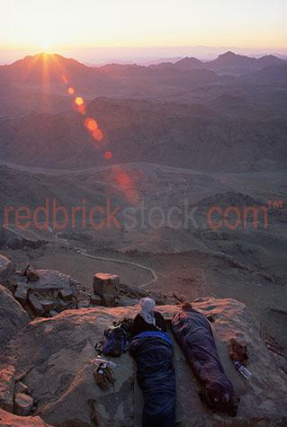 backpackers back packer packers travellers travelling egypt moun