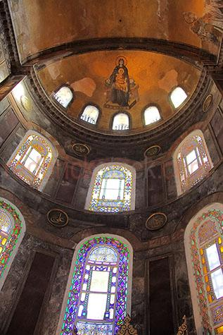 hagia sofya;aya sofya;turkey;istanbul;church;churches;travel;travels;traveling;travelling;travelled;traveled;architecture;architectural;mosque;mosques;religion;religious;islam;islamic;hagia sofia;aya sofia;hagia sophia;aya sophia;ayasofya;building;buildings;museum;museums;Orthodox patriarchal basilica;dark;moody;byzantine architecture;cathedral;cathedrals;history;historical;interior;interiors;inside;stained glass window;stained glass windows;window;windows;interior;interiors;art;arts;design;designs;arch;arches;building;buildings;architecture;achitectures;achitectural;ceiling;ceilings